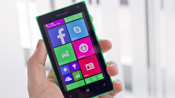 Celular Windows Phone Lumia 435. (Foto: Divulgação)