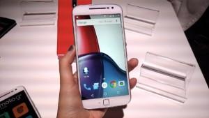 Esse smartphone da Motorola tem 5,5 polegadas. (Foto: Divulgação)